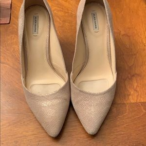 Gold and tan two toned pump